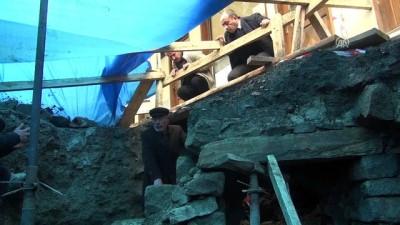 Altyapı çalışmasında bulunan tarihi yapı 'türbe' çıktı - ÇORUM