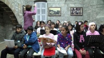 Müzik çocuklar arasında dostluk köprüsü kurdu - TRABZON