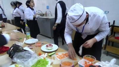 UNESCO tarafından Hatay'ın gastronomi şehri olarak seçilmesinin ardından öğrenciler arasında meze yarışması düzenlendi