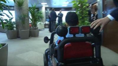 6 yıldır karaciğer yetmezliği tedavisi gören 7 yaşındaki Mehmet'in polislik hayali gerçekleşti