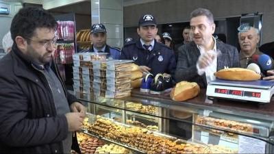 Fırınlardaki ekmekler, yeni yönetmelikteki gramaj kurallarına göre denetlendi