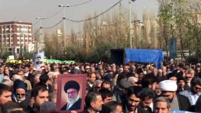 İran'da cuma namazı sonrası ABD yönetimi kınandı (2) - TAHRAN