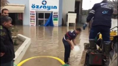 İş yerlerini su basınca iş başı yapamadılar