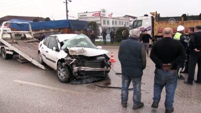 Sivil polis aracı kamyona çarptı - DÜZCE