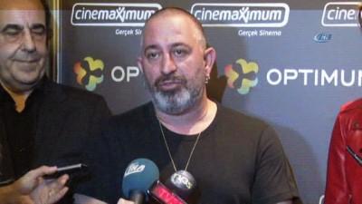 Cem Yılmaz'ın 'Arif V 216'sına İzmir'de büyük gala