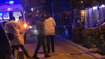 Vale müşteri arası silahlı kavga: 1 ölü, 1 yaralı