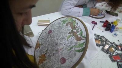 Ertuğrul'un torunları dedelerinin motiflerini işliyor - BİLECİK
