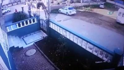 akalan -  Sokakta 8 yaşındaki kız çocuğunu öpen tacizci kamerada