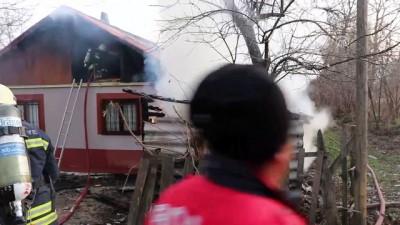 Yangından korkan çocuğu sağlık görevlisi sakinleştirdi - BOLU