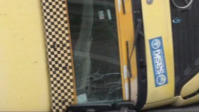 TEM'de hafriyat kamyonu devrildi, trafik kilitlendi
