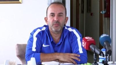 B.B. Erzurumspor teknik direktör Mehmet Özdilek'le sözleşme imzaladı