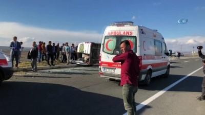 Öğrenci servisi devrildi: 18 yaralı