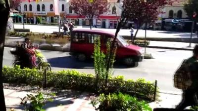 kiz cocugu -  Çocukların tehlikeli motosiklet yolculuğu kamerada