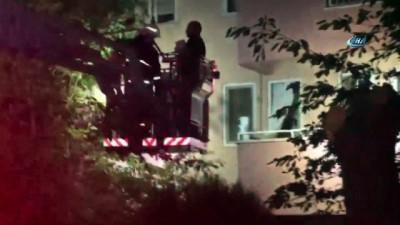 kurtarma ekibi -  6 katlı bir binada çatlaklar meydana geldi, bina sakinleri tahliye edildi