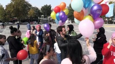 kiz cocugu - Rengarenk dilek balonlarını gökyüzüne bıraktılar - DÜZCE
