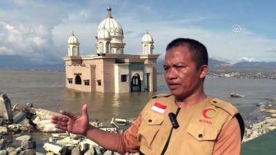 amator - Endonezya'daki afet 'yüzen cami'yi yıkamadı - PALU