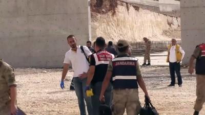 guvenlik onlemi - İnşaat sahasında unutulan dinamit patladı: 1 ölü - ŞANLIURFA