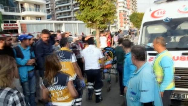 servis araci -  Manisa'da zincirleme kaza: 5 yaralı
