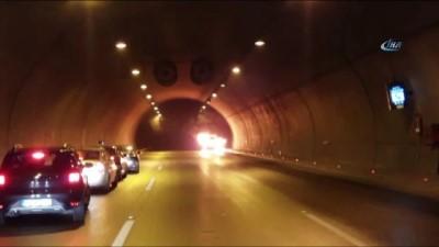 saglik ekibi -  Tünelde yanan araç infilak etti... Aracın yandığı anlar kamerada