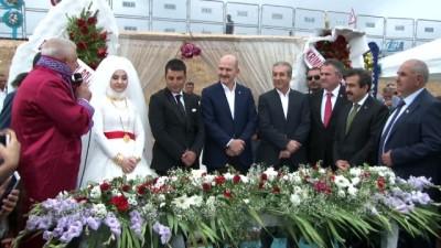 Bakan Soylu Diyarbakır'da düğüne katıldı