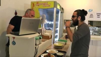 Bodrum'daki yemek fiyatları vatandaşları şok etti...2 lira 50 kuruşa çorba, 5 liraya etli yemek satıyorlar