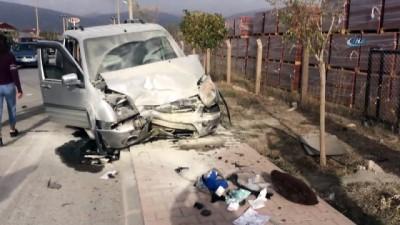 ticari arac -  Erzincan'da trafik kazası: 5 yaralı