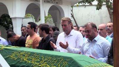 İzmir Adliyesi'ndeki gaz sızıntısı - Salih Ataoğlu'nun cenazesi toprağa verildi - İZMİR