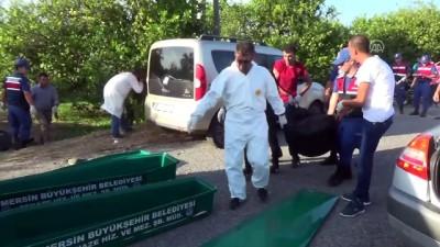 Mersin'de trafik kazası: 2 ölü, 1 yaralı