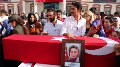 Şehit Bedirhan'ın babasına askerlerinden sürpriz