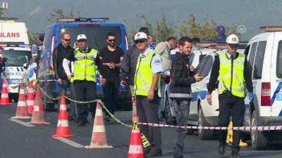 Düzensiz göçmenleri taşıyan kamyon devrildi (5) - İZMİR