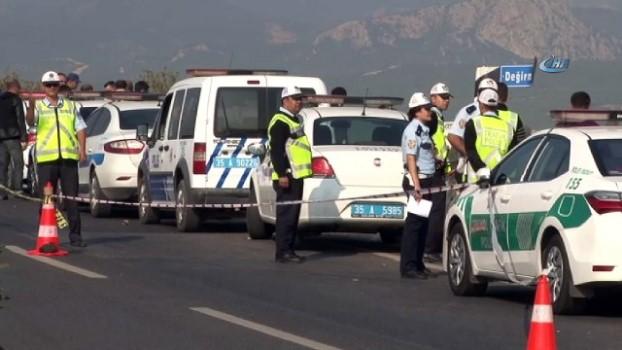 kurtarma ekibi -  İzmir'de yaralı sürücüyü gören görgü tanığı konuştu