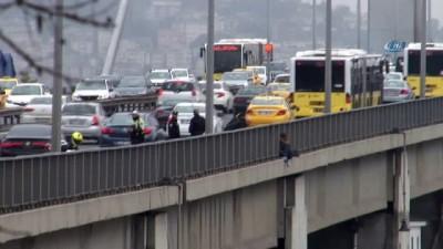 polis ekipleri -  15 Temmuz Şehitler Köprüsü'ndeki intihar girişimi 4 saat sürdü