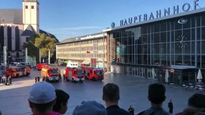 sosyal medya -  - Almanya'nın Köln Şehrinde Rehine Krizi