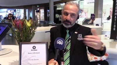 Avustralya'da kalbi duran kişiyi hayata döndüren Türk'e kahramanlık ödülü - MELBOURNE