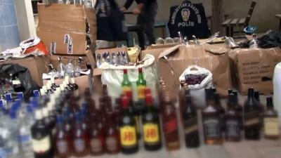 polis ekipleri -  Bahçelievler'de piyasa değeri 30 bin lira olan sahte içki ele geçirildi