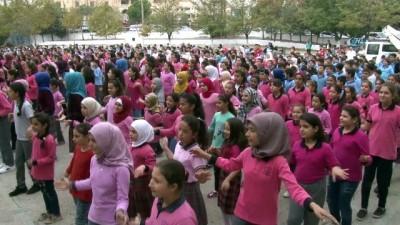 farkindalik -  El yıkamanın önemini bin 200 öğrenci dans ederek gösterdi
