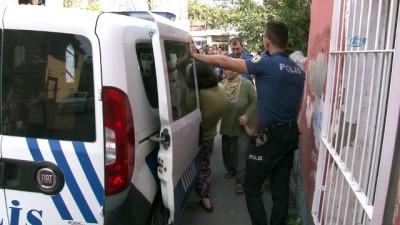 polis imdat -  Öz annenin çocuklarına şiddet uygulamasına mahalleli isyan etti