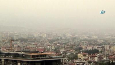 Toz bulutları Hatay'ı etkisi altına aldı