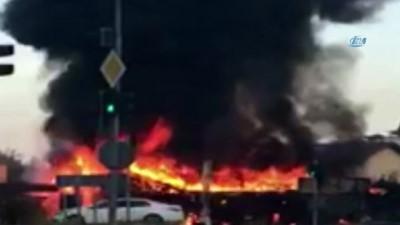Antalya'da bir restoran alev alev yandı