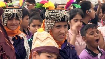 Çocuklar gökyüzünü uçurtmalarıyla renklendirdi - GAZİANTEP