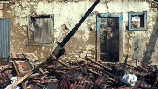 a haber - Denizli'de evi yanan yaşlı kadının ölmesi