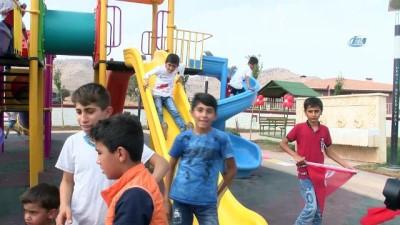 Derik Zeytin Festivali'nde renkli simalar yer aldı