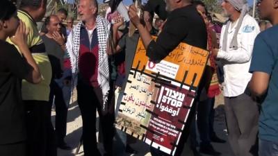 - Filistinliler, İsrail'in Han El-ahmer Köyü'nü Yıkmasına İzin Vermedi