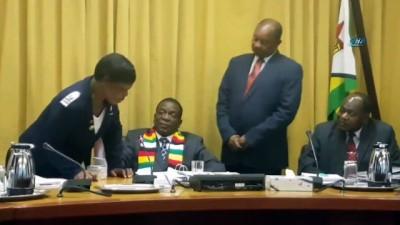 - Zimbabve Devlet Başkanı Mnangagwa'ya Kolera Aşısı