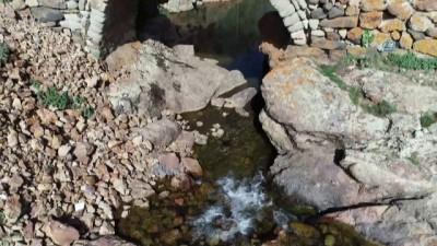 557 yıllık Tarihi Taşköprü havadan görüntülendi... Valilik köprüde restorasyon çalışması başlattı