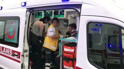 isci servisi - İşçi servisi ile otomobil çarpıştı: 16 yaralı - KOCAELİ