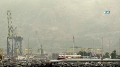 - İskenderun Körfezi'ni toz bulutu kapladı