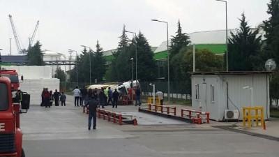 direksiyon - Kocaeli'de tanker devrildi: 1 yaralı