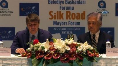 13. İpek Yolu Belediye Başkanları Forumu'na doğru