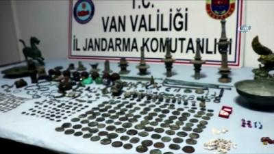 Van'da kaçakçılık operasyonu: 629 parça tarihi eser ele geçirildi